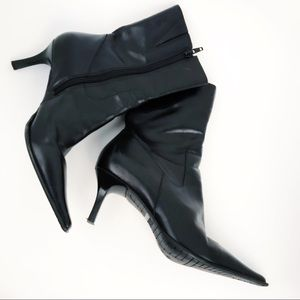 Diba | Black Leather Pointed Toe Boots 6M.